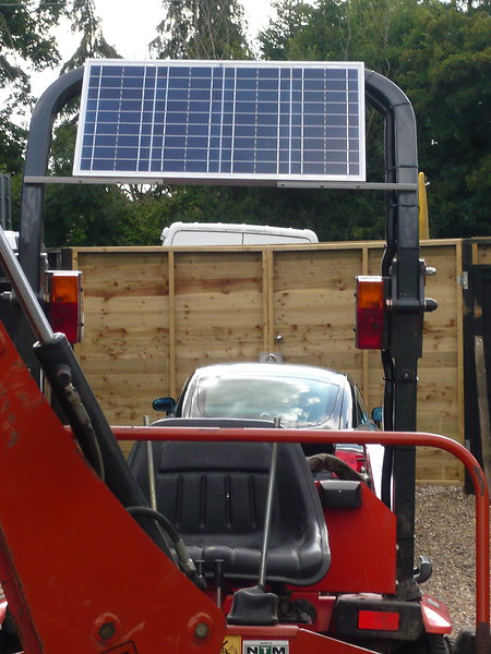 Solar Panel fitting Service. digsolar